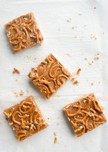 Caramel Pretzel Shortbread Bars