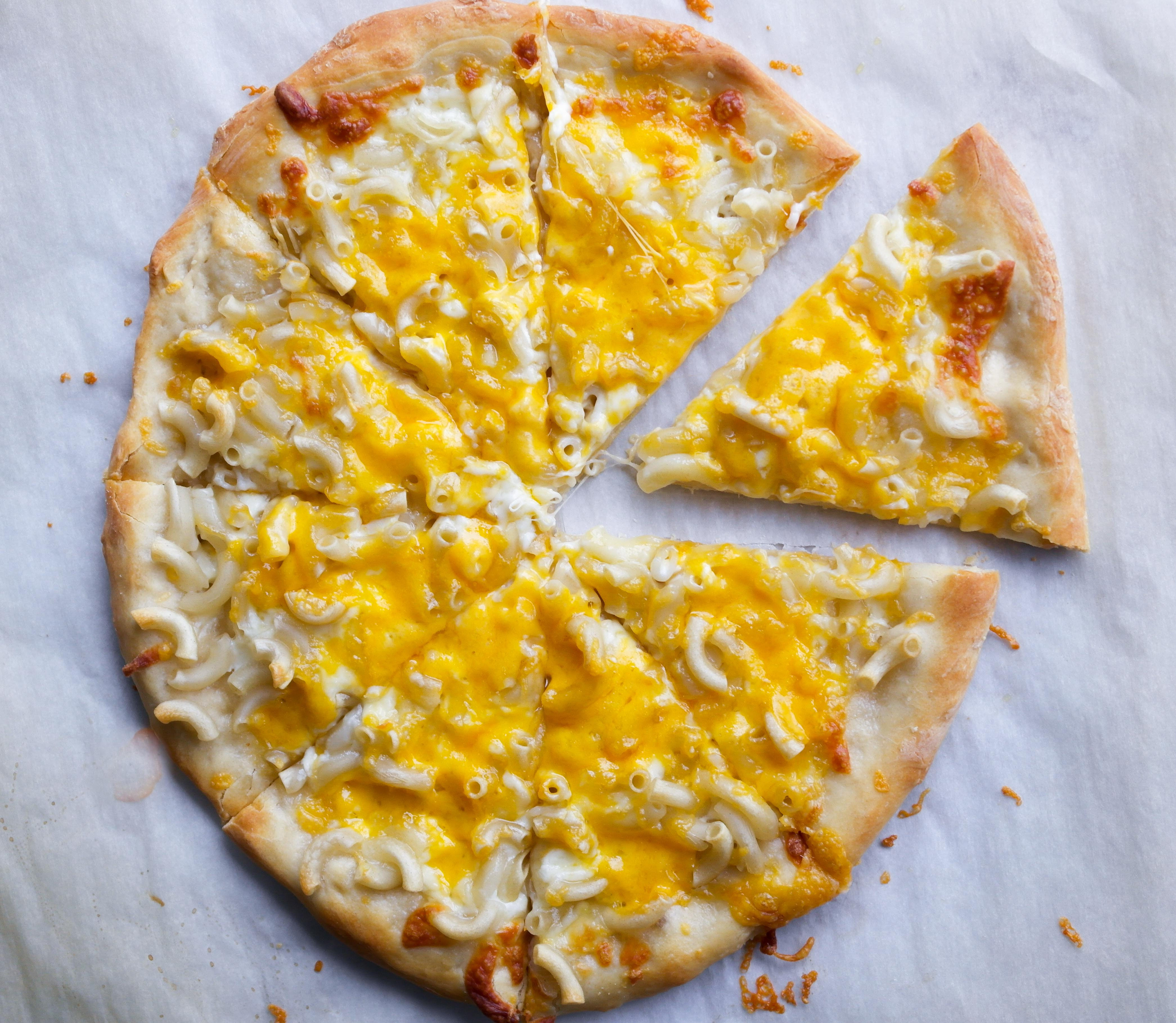 Mac and Cheese Pizza – Baking Is A Science