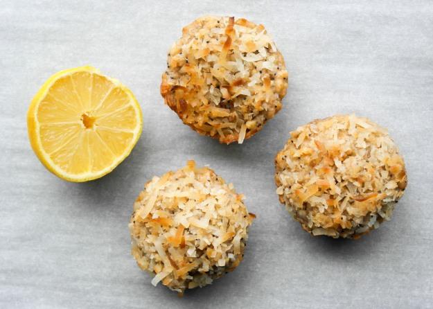 Lemon Poppyseed Whole Wheat Oatmeal Muffins